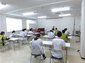 「災害への備え」をテーマに 全員研修を行いました。