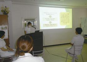 日頃の取り組みを発表する看護研究発表会を行いました。